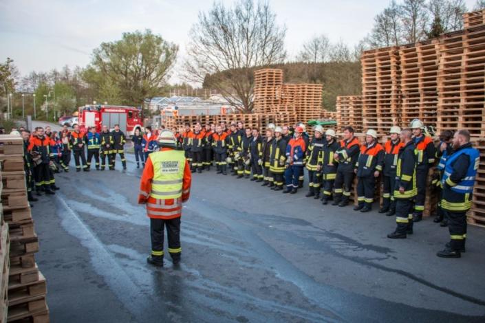 Feuerwehrübung bei Hochfranken Holz 5